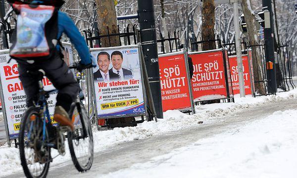 ''Wahlplakate'' vor der Wiener Volksbefragung / Bild: (c) Fabry