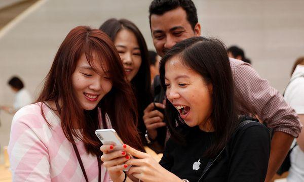 Im abgelaufenen Quartal steigerte Apple seinen Gewinn um knapp 19 Prozent auf 10,71 Milliarden Dollar.  / Bild: REUTERS/Edgar Su