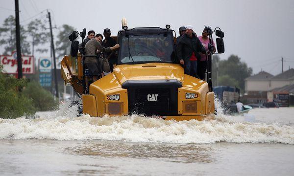 Weite Teile der texanischen Millionenmetropole Houston stehen unter Wasser. Zehntausende Menschen sind obdachlos geworden. / Bild: (c) AFP