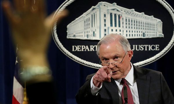 Jeff Sessions bei einer Pressekonferenz in Washington / Bild: REUTERS