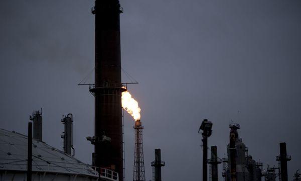 Tropensturm wirkt sich auf Wirtschaft aus / Bild: APA/AFP/BRENDAN SMIALOWSKI