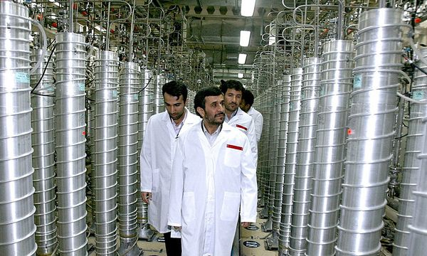 Iranian President Mahmoud Ahmadinejad visits the Natanz nuclear enrichment facility / Bild: (c) REUTERS (HO)