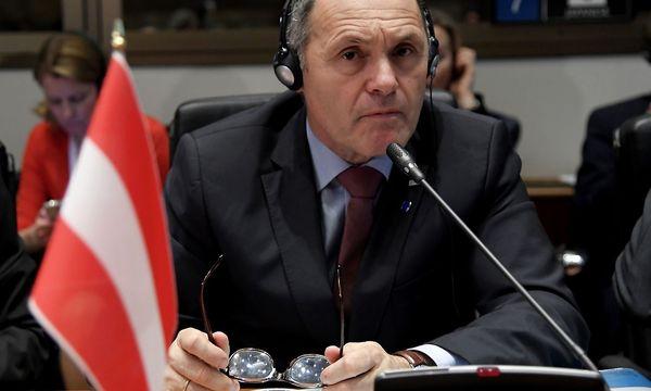 Innenminister Sobotka beim Flüchtlingsgipfel in Rom. / Bild: (c) APA/AFP/TIZIANA FABI (TIZIANA FABI)
