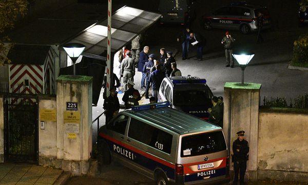 Der Tatort in der Leopoldstadt am Montagabend / Bild: APA/HANS PUNZ