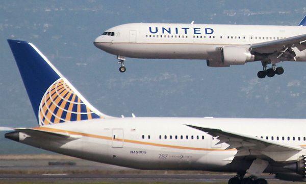 Archivbild zweier United-Airlines-Maschinen. / Bild: REUTERS