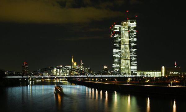 Büros der Zentrale der Europäischen Zentralbank (EZB) / Bild: APA/dpa/Arne Dedert