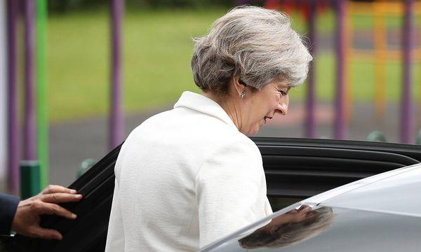 Für Theresa Mays konservative Partei ist es doch noch ein knappes Rennen geworden. / Bild: imago/PA Images
