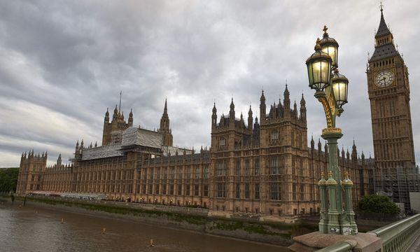 Keine klare Mehrheit im britischen Parlament? / Bild: APA/AFP/NIKLAS HALLE'N