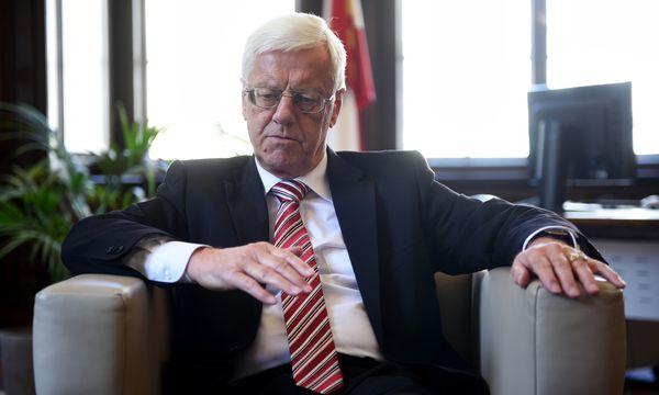 Gerhart Holzinger (70) muss das Höchstgericht aus Altersgründen mit Ende des Jahres verlassen.    / Bild: (c) Die Presse (Clemens Fabry)