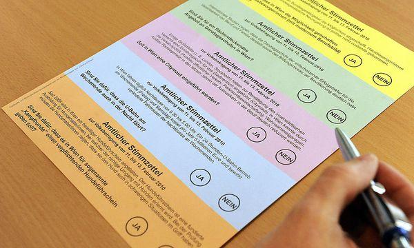 Die Wiener Volksbefragung 2010 hatte zwar auch Bundesthemen zum Thema, die Formulierung war aber auf Wien bezogen. / Bild: (c) APA/HERBERT PFARRHOFER