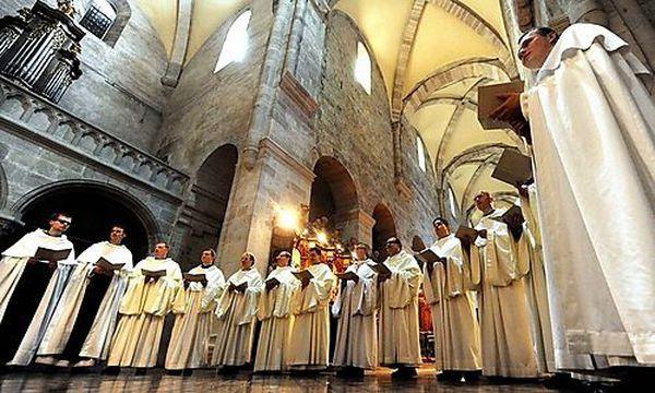Die Heiligenkreuzer Mönche bei der Aufnahme der neuen CD / Bild: (c) APA/HERBERT PFARRHOFER (Herbert Pfarrhofer)