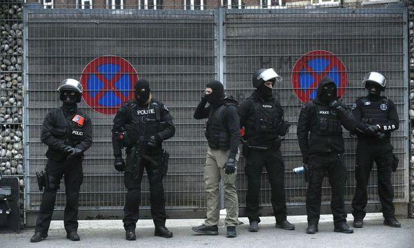 Bericht: Paris-Attentäter Abdeslam gefasst / Bild: APA/AFP/JOHN THYS