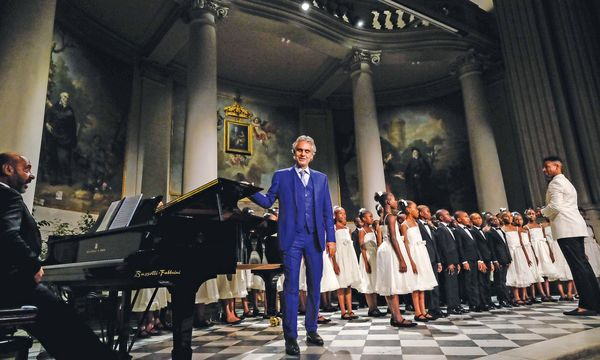 (c) Fondazione Franco Zeffrelli Florenz Andrea Bocelli bei einem Konzert.