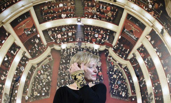 Karin Bergmann hat am Mittwoch erklärt, dass sie 2019 als Burgtheaterdirektorin aufhören wird. / Bild: ROBERT JAEGER / APA / picturedes