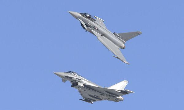 Fünfzehn Eurofighter stehen derzeit bei zwölf Piloten dem österreichischen Bundesheer zur Verfügung. / Bild: APA/ROBERT JÄGER