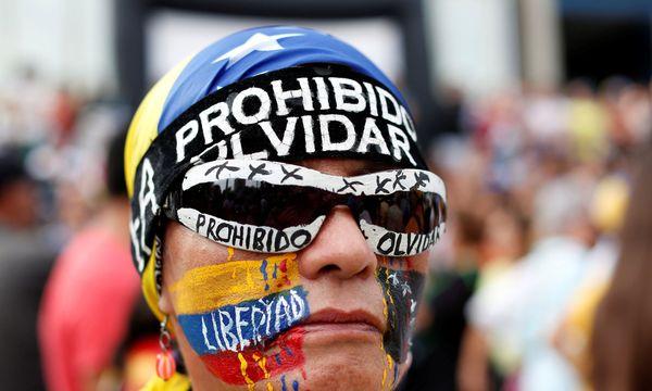 Maduro vergleicht Demonstrationen mit den faschistischen Aufmärschen vor dem Zweiten Weltkrieg / Bild: REUTERS