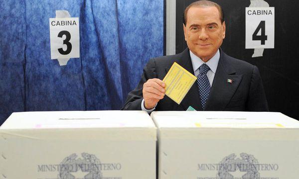 Berlusconi wählt / Bild: (c) EPA (DANIEL DAL ZENNARO)