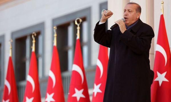 Erdogan hat sein Land in eine Autokratie verwandelt. / Bild: APA/AFP/ADEM ALTAN