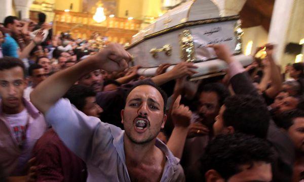 Bild von den Protesten am Sonntag / Bild: (c) Reuters
