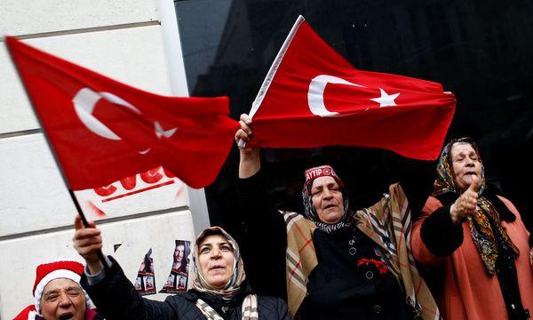 Anhänger des türkischen Präsidenten Erdogan  / Bild: (c) REUTERS (MURAD SEZER)