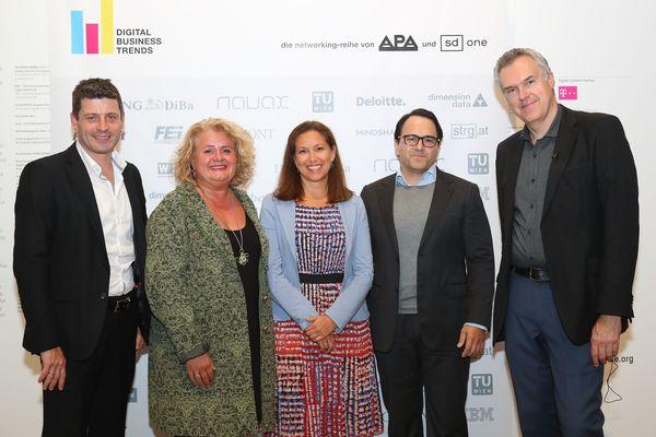 "VIP-Event der Plattform ""Digital Business Trends"". Im Bild v.l.n.r.: Alexis Johann (styria digital one), Barbara Rauchwarter (APA – Austria Presse Agentur), Livia Dandrea-Böhm (A1 Telekom), Jean Zivkovic (ING-DiBa), Christoph Thun-Hohenstein (Generaldirektor MAK) / Bild: (c) APA-Fotoservice/Schedl"