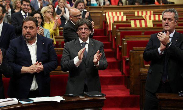 Der katalanische Ministerpräsident Carles Puigdemont will Katalonien von Spanien loslösen. / Bild: REUTERS
