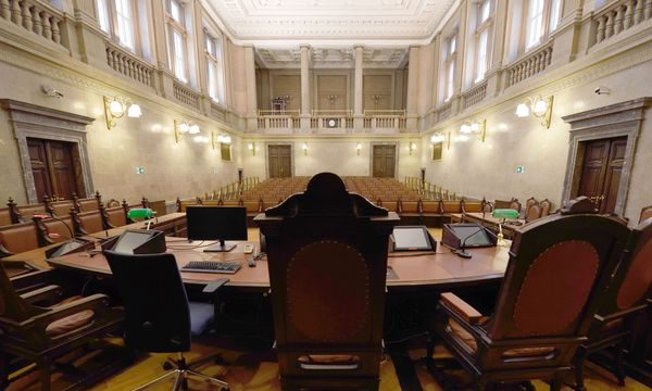 Auf dem großen Richterstuhl des Wiener Schwurgerichtssaals wird Buwog-Prozessleiterin Marion Hohenecker Platz nehmen. / Bild: (c) Die Presse (Clemens Fabry)