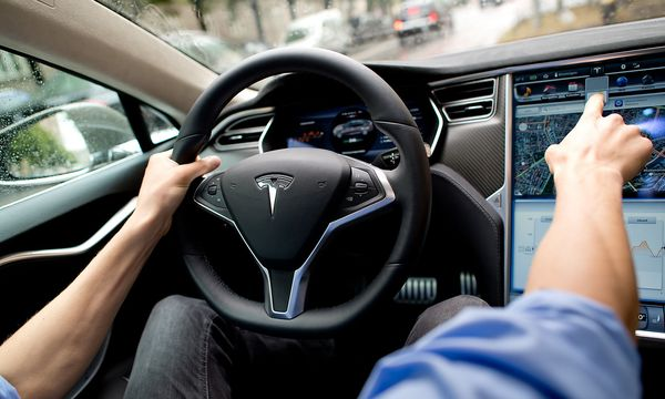 Tesla will Videomaterial aus seinen Autos sammeln. / Bild: (c) APA (dpa)