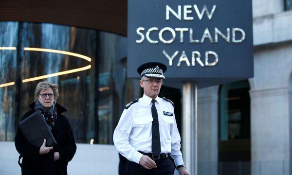 Der Chef der britischen Anti-Terror-Einheit, Mark Rowley (r.)  / Bild: Reuters