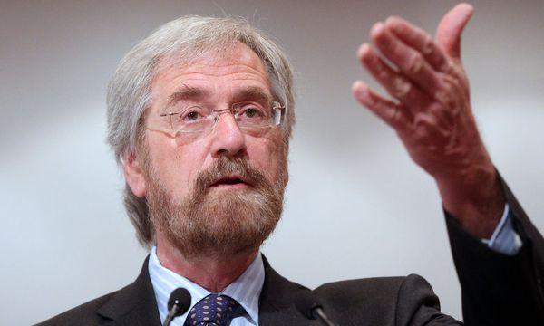 EZB-Chefvolkswirt Peter Praet sieht noch keinen Zinsschritt in der Eurozone. / Bild: (c) APA/GEORG HOCHMUTH