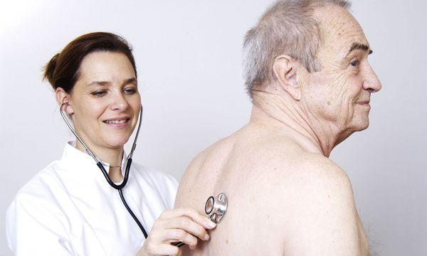 Jungmediziner arbeiten lieber im Krankenhaus / Bild: Imago