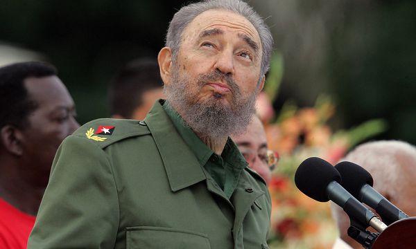 Fidel Castro 2006 bei einer Feier ihm zu Ehren.  / Bild: APA/AFP/ADALBERTO ROQUE
