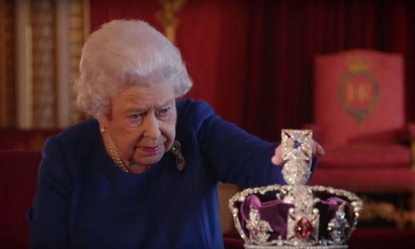 Die Queen und ihre Imperial Crown. / Bild: Screenshot Youtube.com/BBC