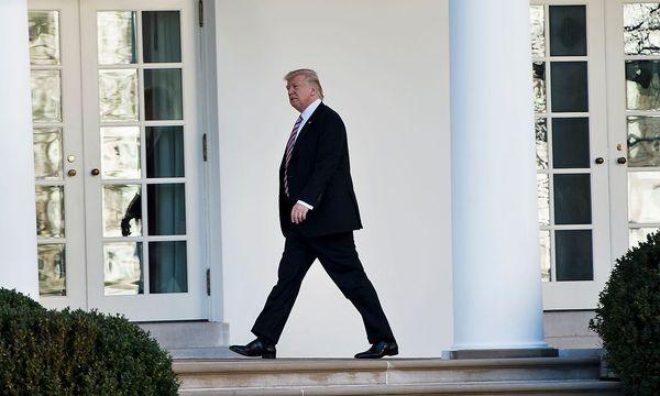 Donald Trump bestätigt einen Obama-Erlass gegen Diskriminierung von Schwulen und Lesben. / Bild: (c) APA/AFP/BRENDAN SMIALOWSKI (BRENDAN SMIALOWSKI)