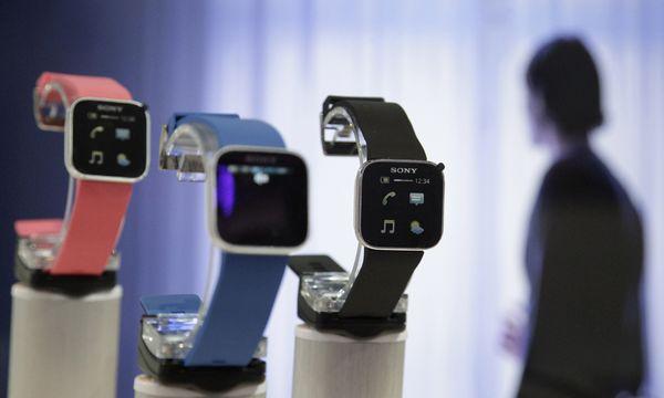 Smartwatches Fans warten Apple / Bild: (c) REUTERS (� Tobias Schwarz / Reuters)