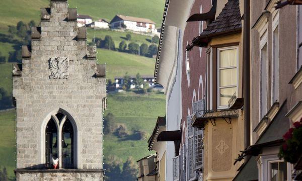 (c) Klaus Kranebitter Stattlich. Das Ziel ist erreicht: Sterzing, die einstige Fuggerstadt.
