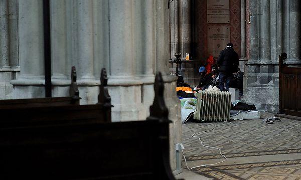 Auch in der Votivkirche selbst, würde die Fremdenpolizei zuletzt vermehrt kontrollieren, meint die Caritas. / Bild: (c) Die Presse (Clemens Fabry)