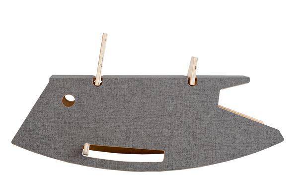 """(c) Beigestellt Wigel-Wogel. Auch das Schaukelmöbel """"Constantin"""" begünstigt den kindlichen Spieltrieb."""