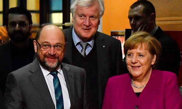 Schulz, Merkel und Seehofer / Bild: APA/AFP/JOHN MACDOUGALL