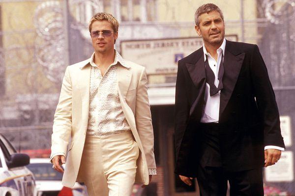 """Brad Pitt und George Clooney in""""Ocean's Eleven"""" / Bild: Warner Bros."""