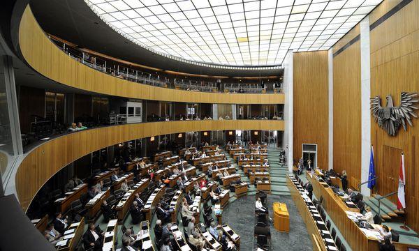 Plenarsaal im Parlament / Bild: APA/ROLAND SCHLAGER