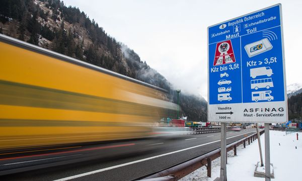 Autobahn-Grenzübergang an der Grenze zwischen Österreich und Italien / Bild: APA/EXPA/ JOHANN GRODER
