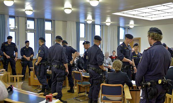 Archivbild: Schon beim Prozessstart im Oktober waren die Sicherheitsvorkehrungen hoch / Bild: APA/HERBERT NEUBAUER