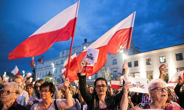 Der umstrittene Entwurf muss nur noch von Präsident Andrzej Duda unterzeichnet werden. / Bild: REUTERS