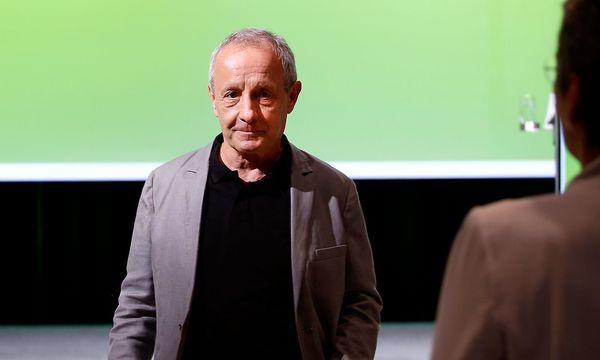 Peter Pilz verlässt Bühne der Grünen. / Bild: APA/DIE GRÜNEN/INES BACHER