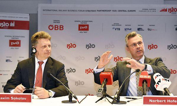 Norbert Hofer mit seinem russischen Amtskollegen  Maxim Sokolov. / Bild: APA/HANS PUNZ
