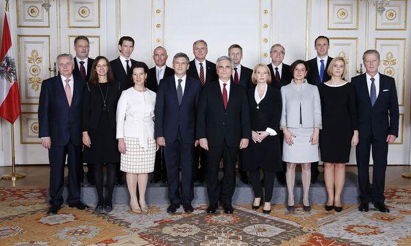 Da waren sie noch hoffnungsvoll: Am 16. Dezember 2013 wurde die Regierung Faymann II angelobt. Von den damals 16 Mitgliedern sind heute nur noch fünf dabei. / Bild: (c) BUNDESKANZLERAMT / APA / picturedesk.com (BUNDESKANZLERAMT)