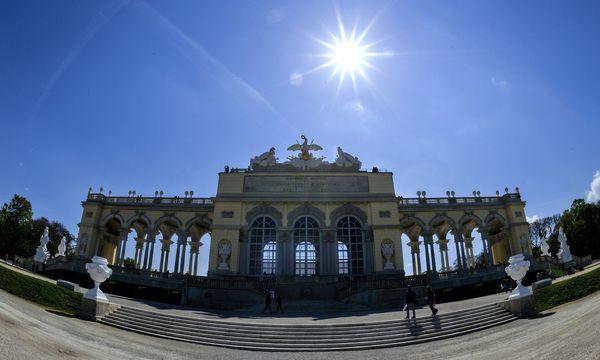 Touristiker optimistisch / Bild: APA/HERBERT NEUBAUER