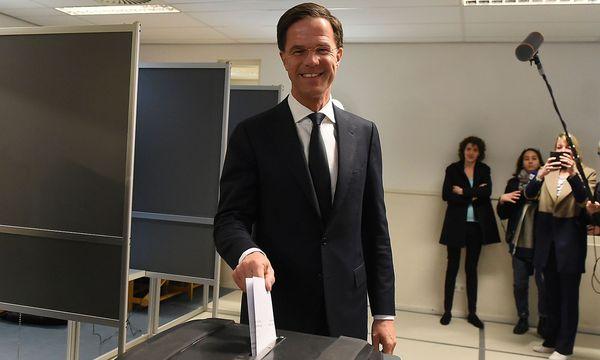 Mark Rutte könnte nach der Parlamentswahl sein drittes Kabinett bilden. / Bild: (c) APA/AFP/JOHN THYS (JOHN THYS)