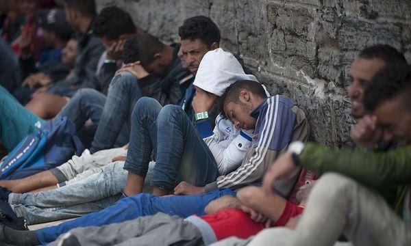 Neuankömmlinge am Mittwoch in Tarifa in Spanien / Bild: (c) APA/AFP/JORGE GUERRERO (JORGE GUERRERO)